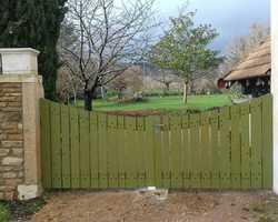 Portail bois à Saint-Boil